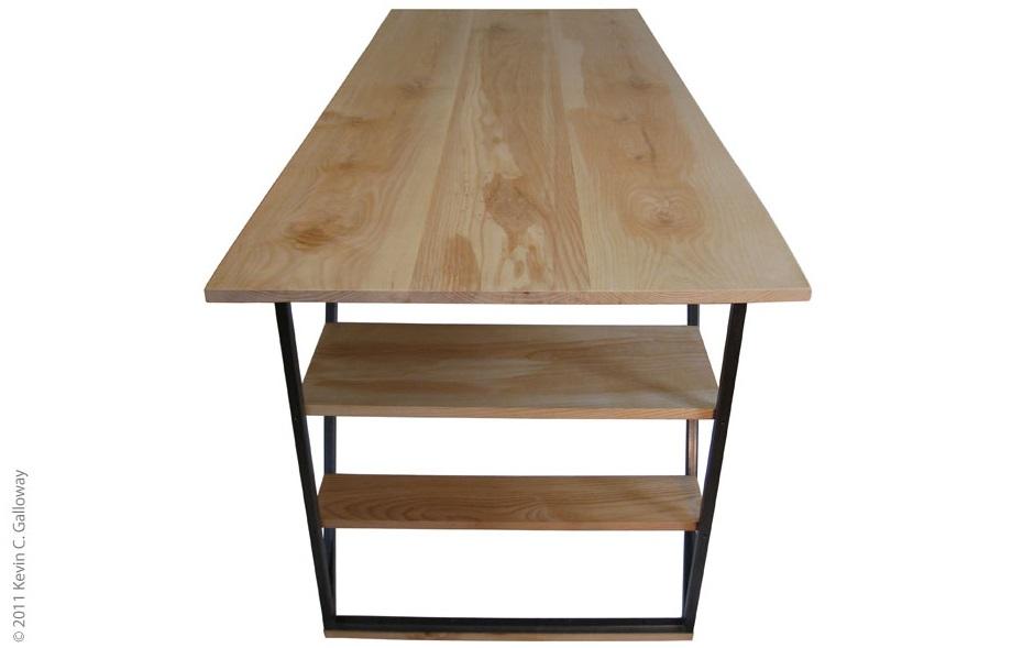 desk3 589 px tall cr